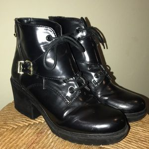 Classy all black patent rubber healed boot
